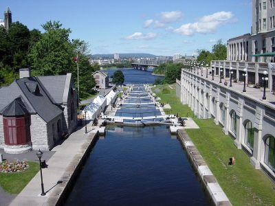 1200px-Rideau_Canal